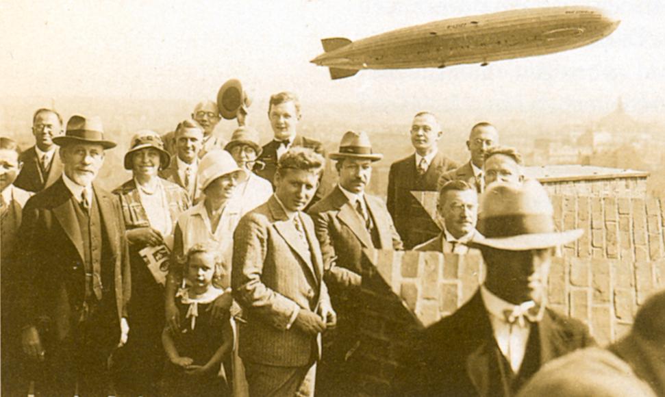August Madsack holt im Jahr 1912 den ersten Zeppelin nach Hannover.